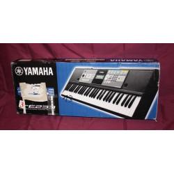 Clavier arrangeur Yamaha PSR-E233 61 notes noir (stock 2 voir détails)