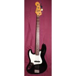 Fender Standard Jazz Bass noire modèle gaucher occasion